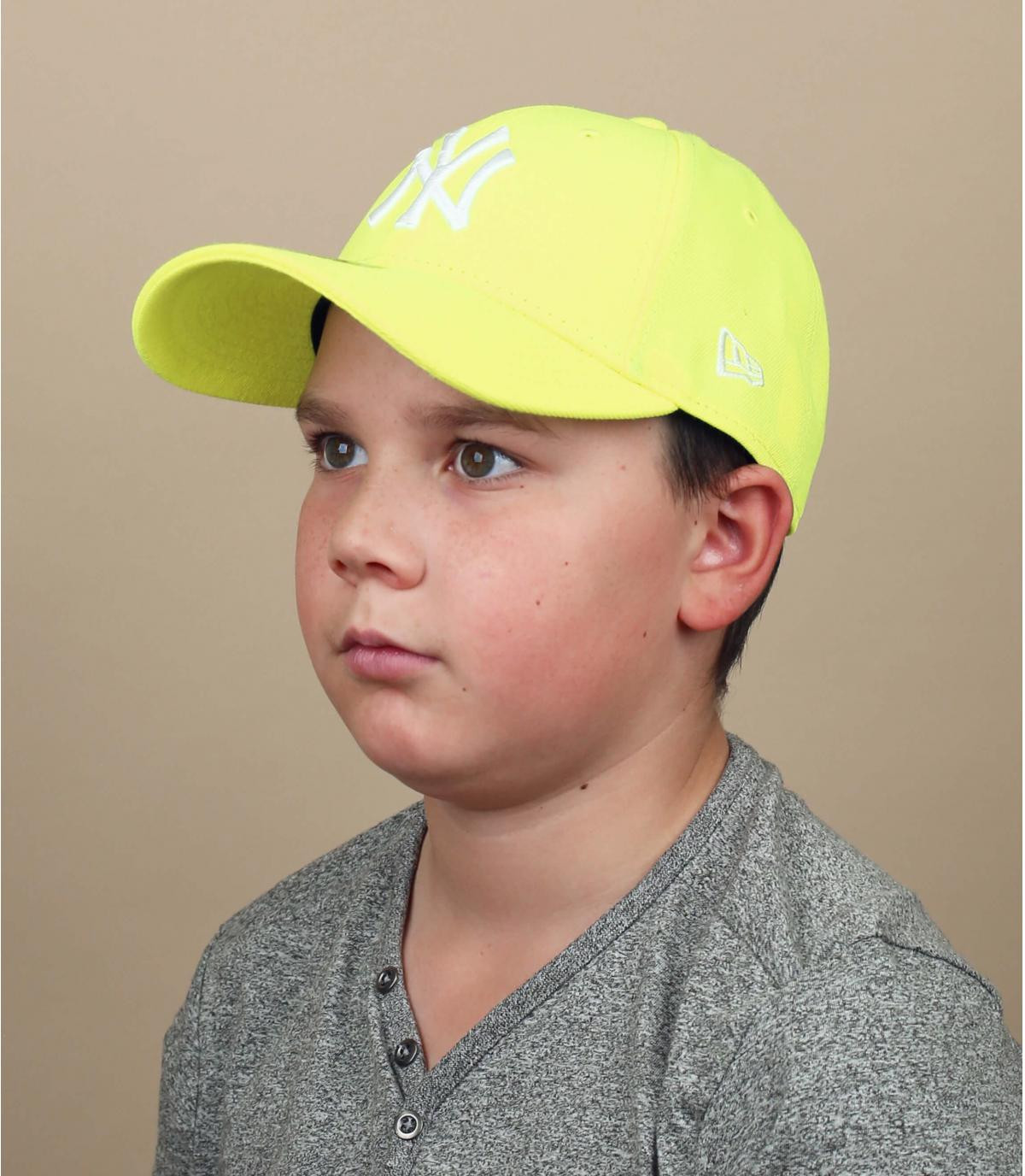 NY child cap neon yellow