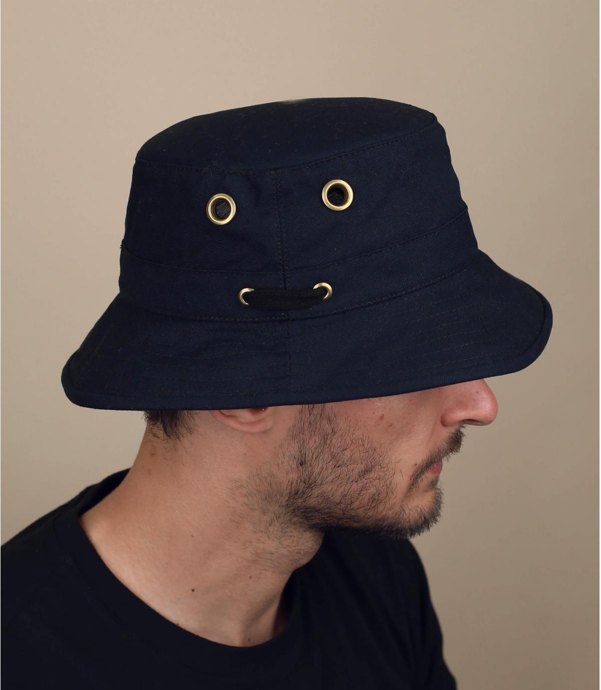 Black TilleyT1 bucket hat