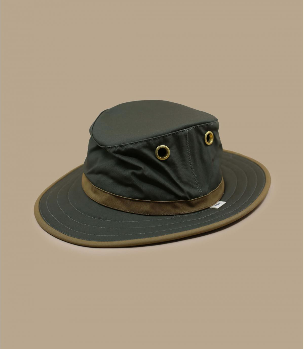 Green waxed cotton hat