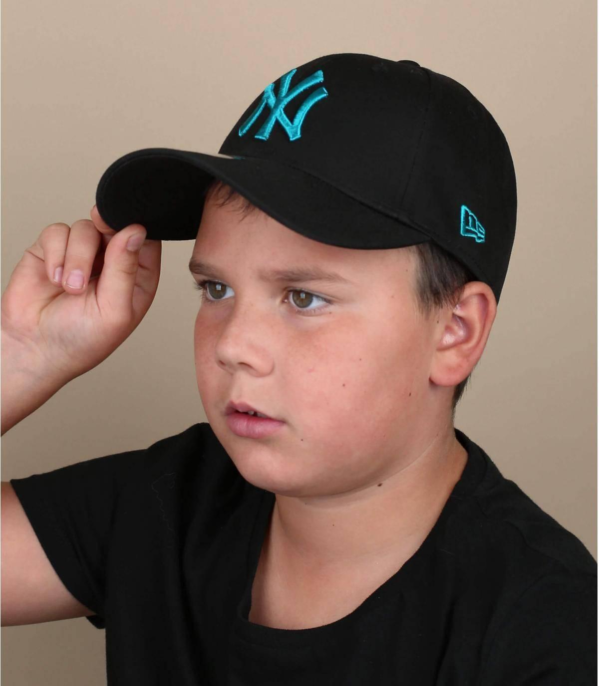 black LA children cap