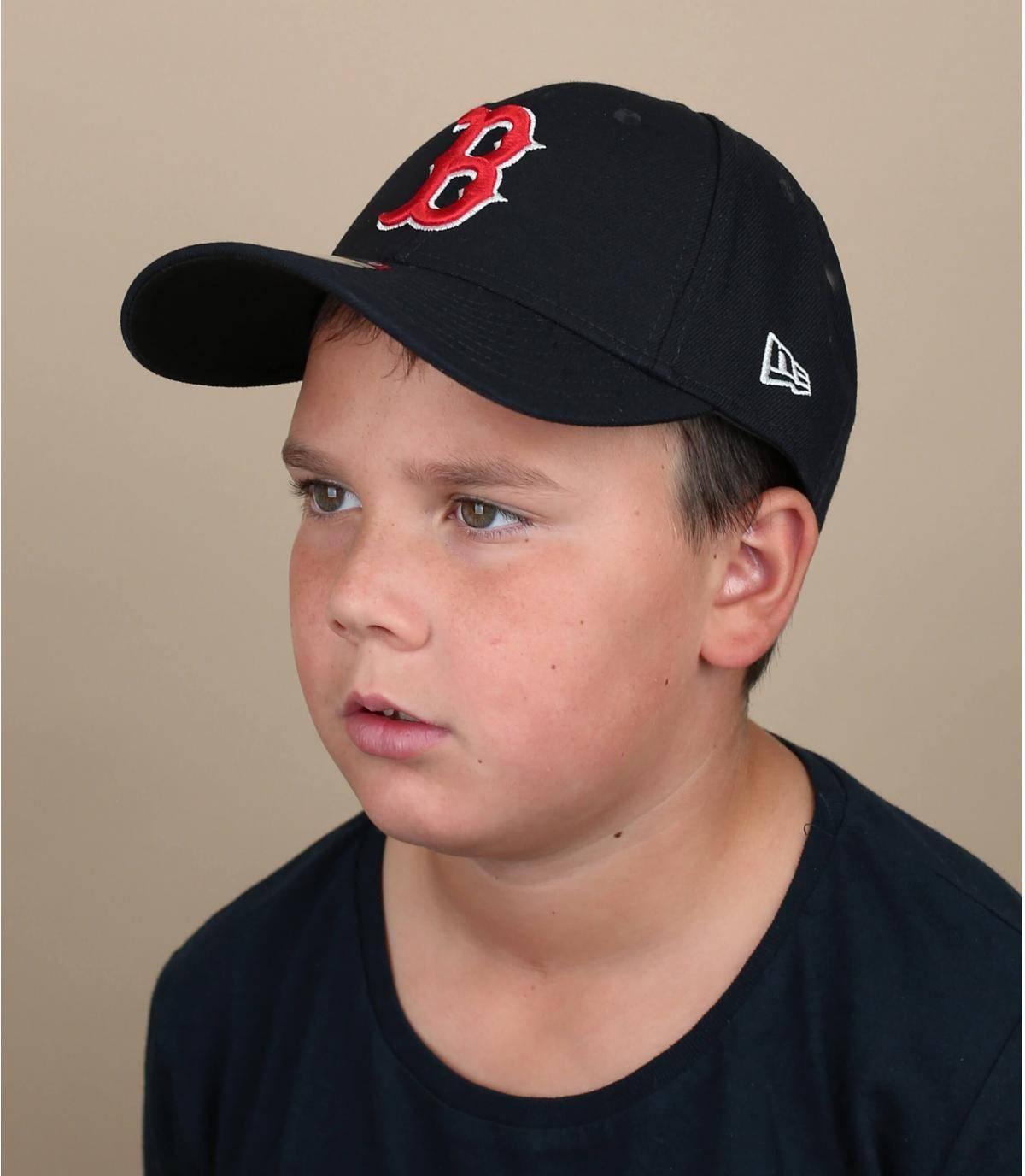 child cap B