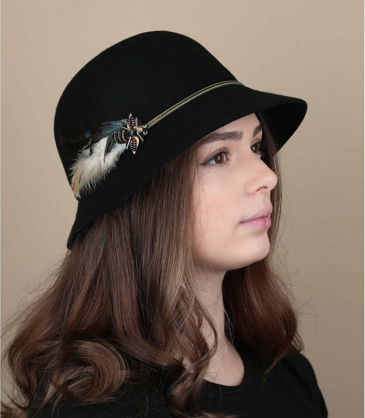 Cloche hat feather