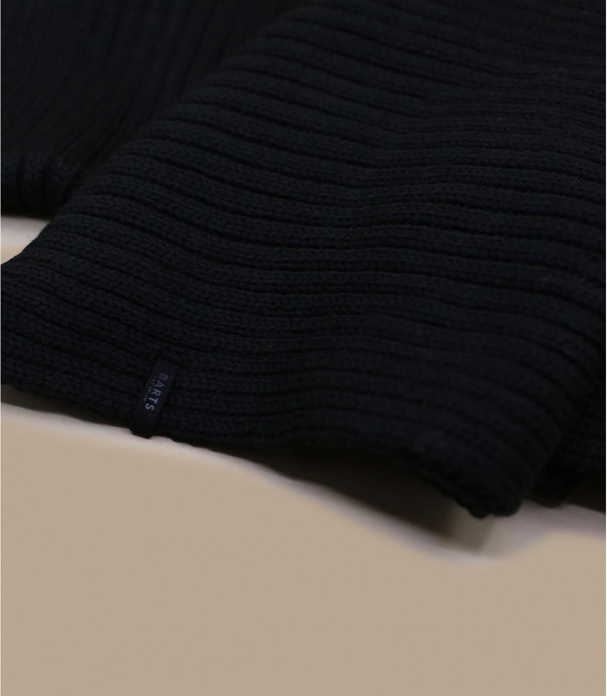 Black wilbert scarf
