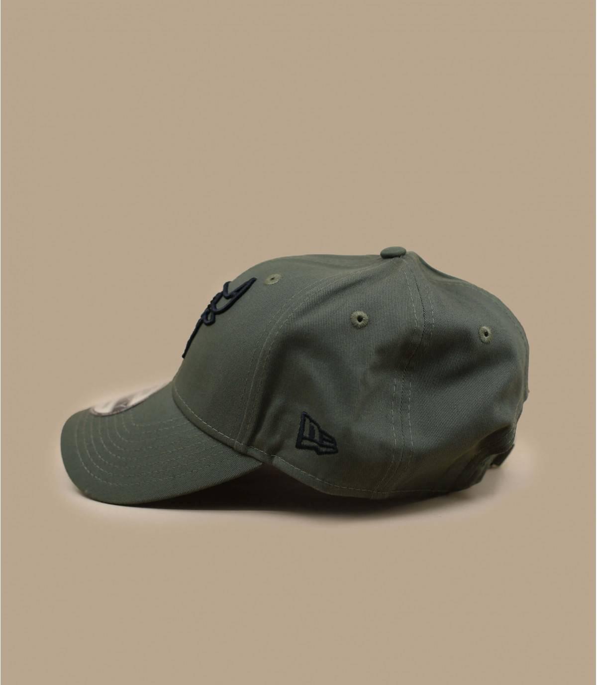 olive-green Bulls cap