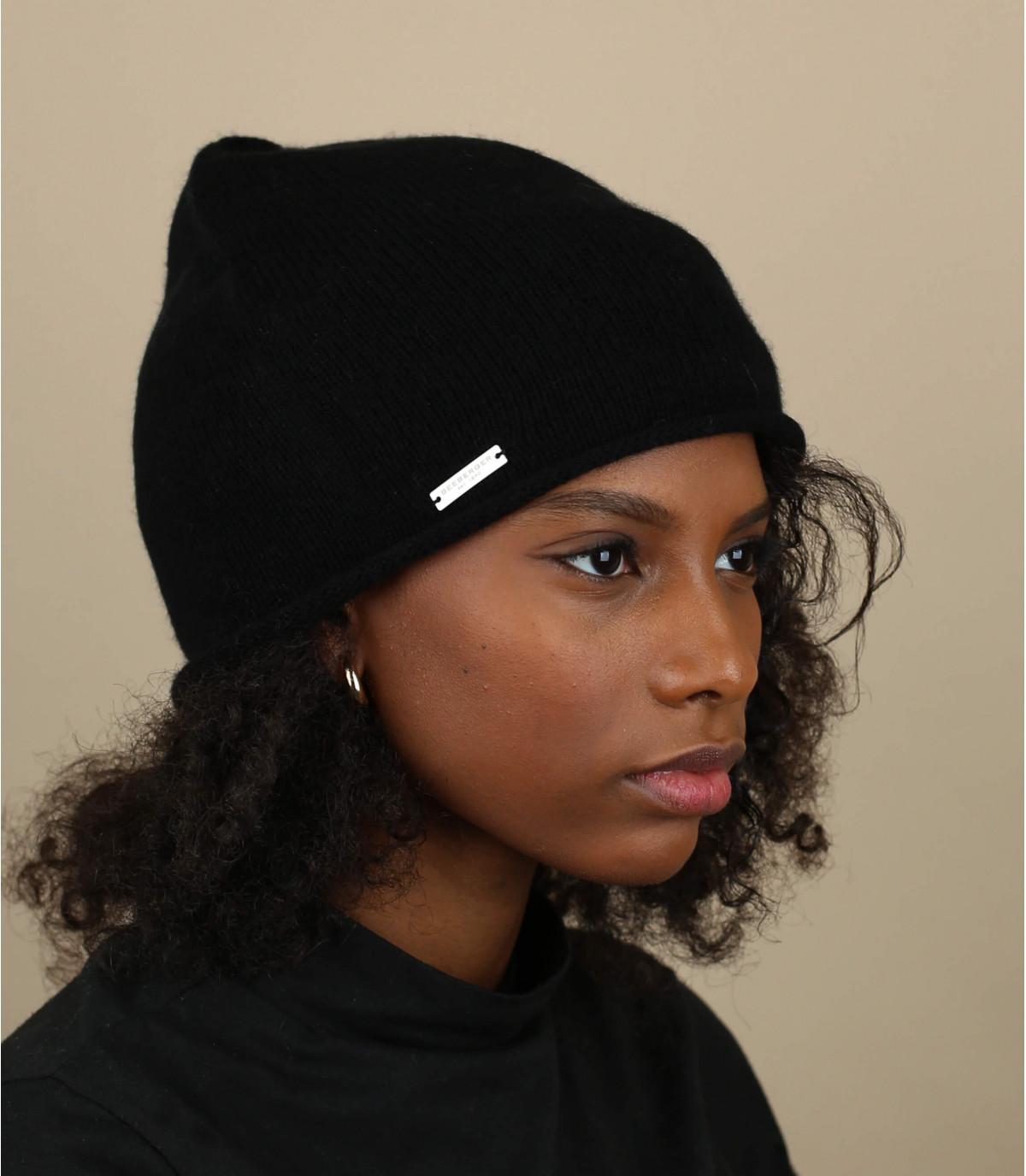 Black cashmere beanie