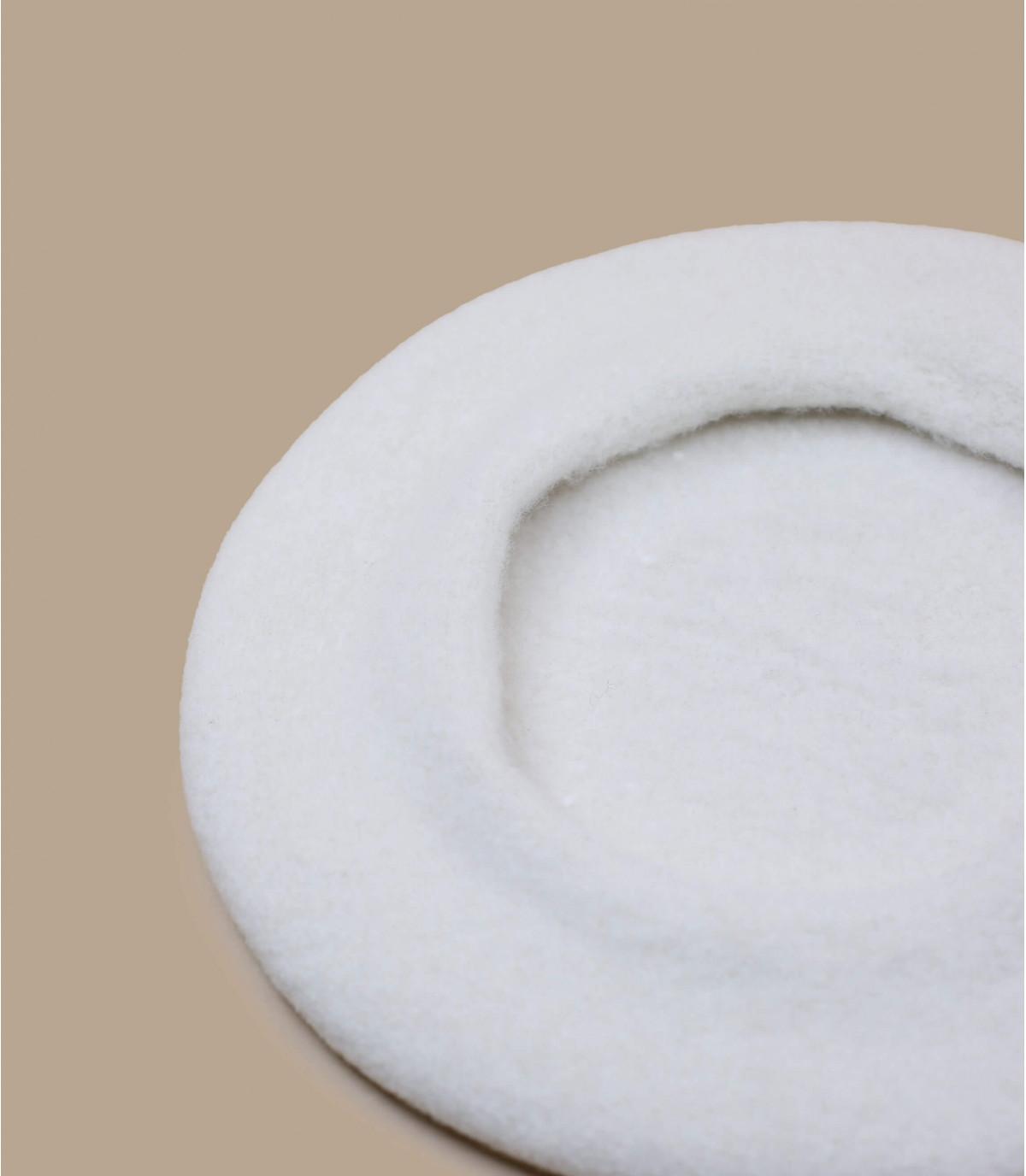 Basque beret white wool