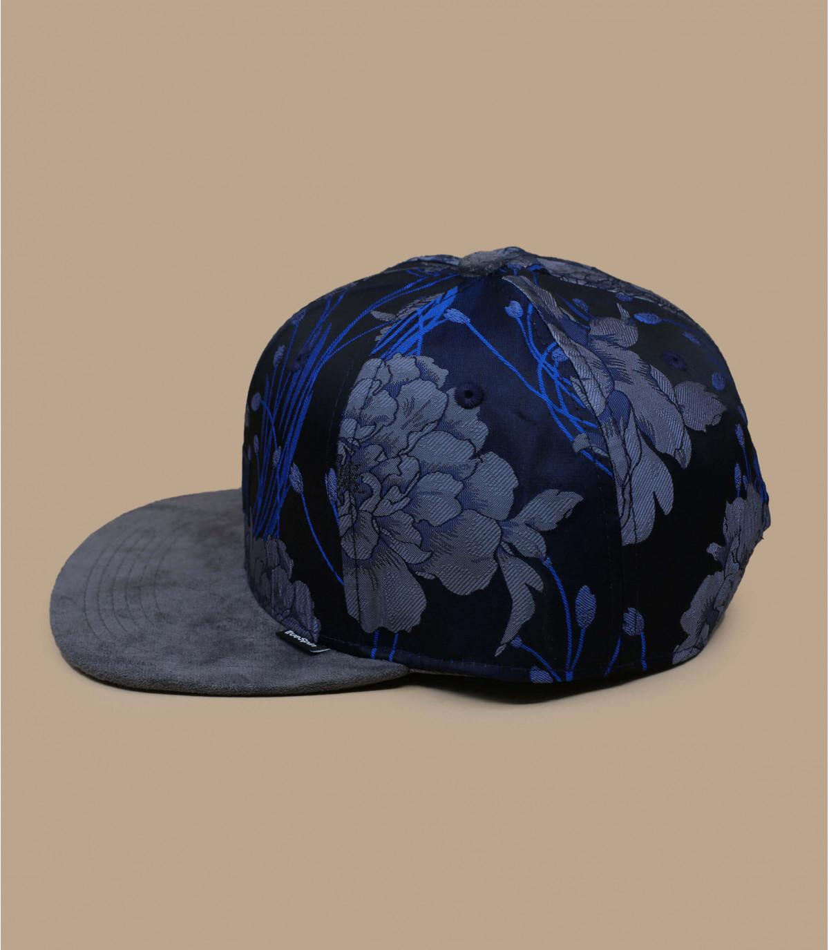 Snapback blue grey flowers