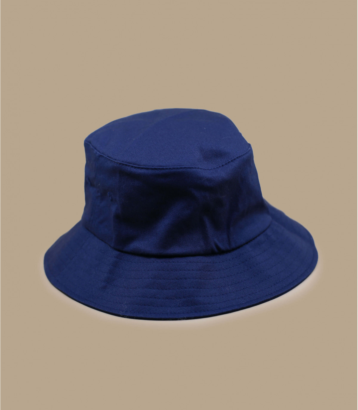 Bucker blue