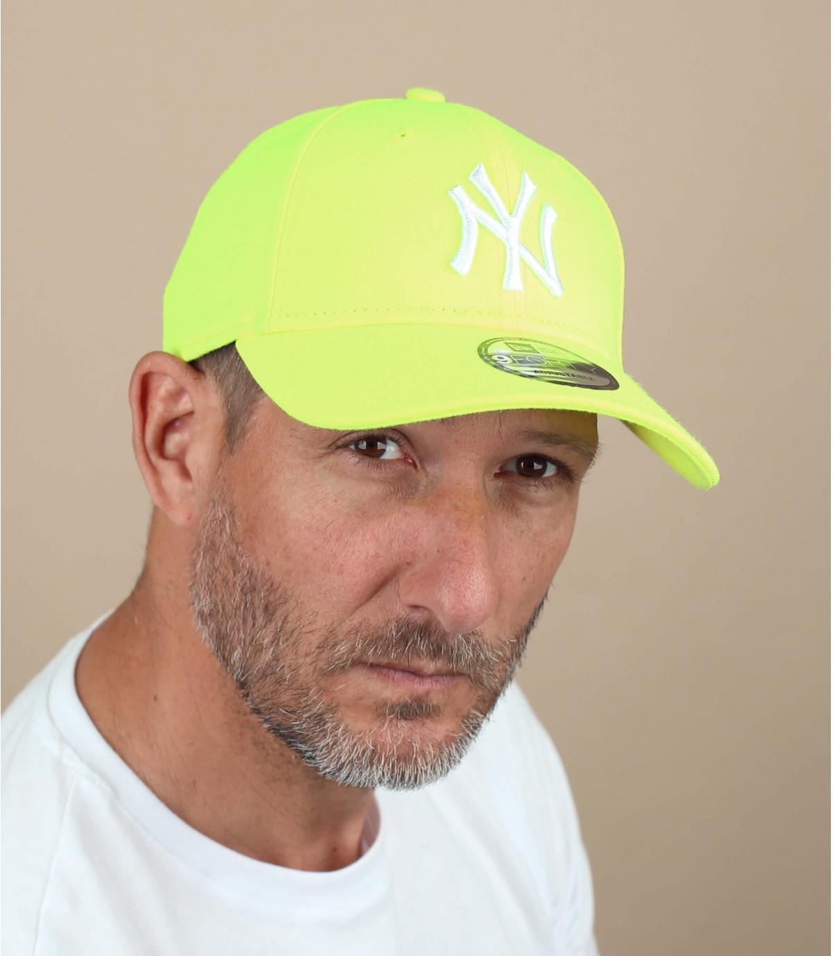 Flashy yellow trucker cap