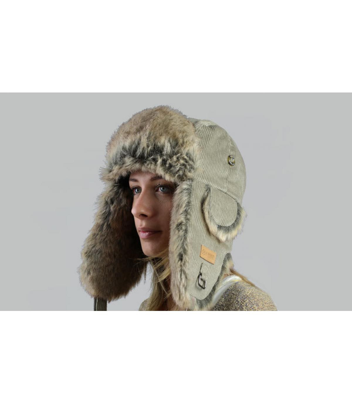 Womens classical trapper hat