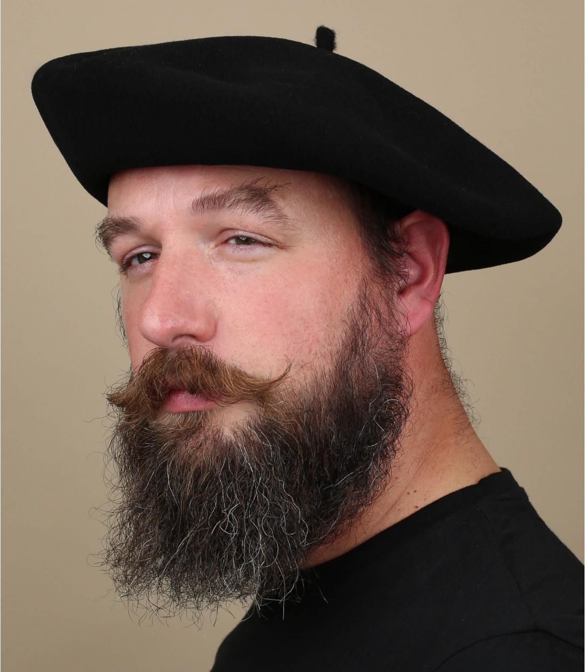 Black beret men