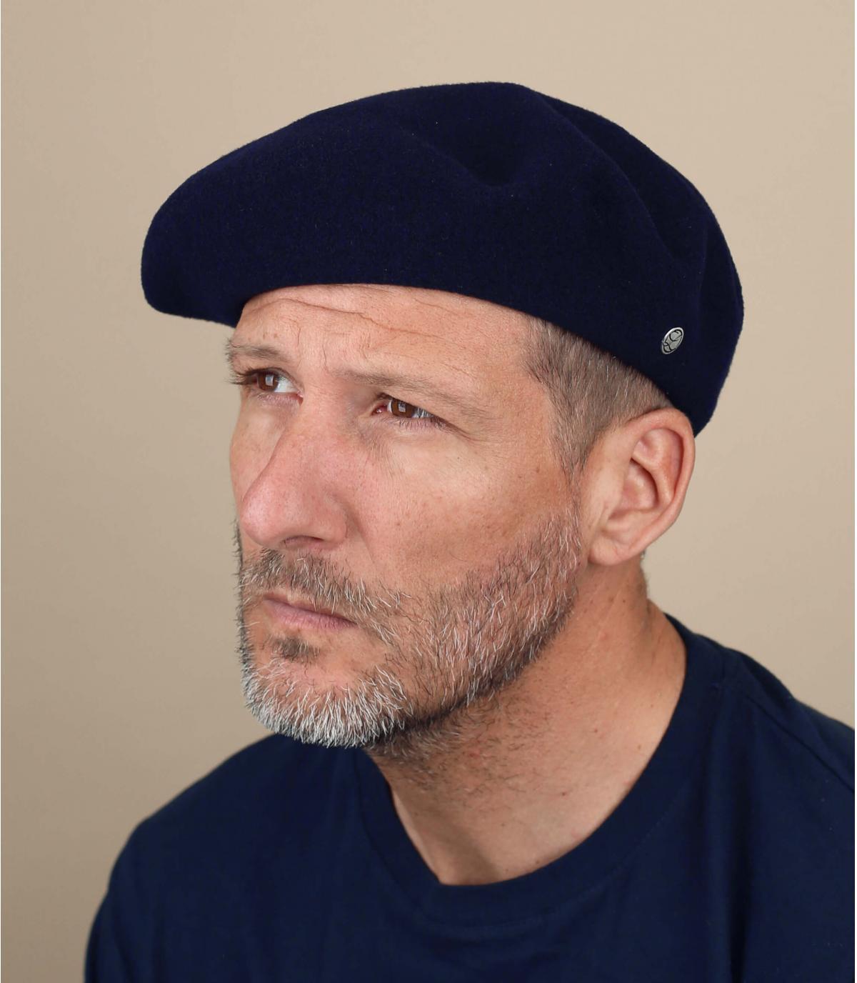Men blue beret