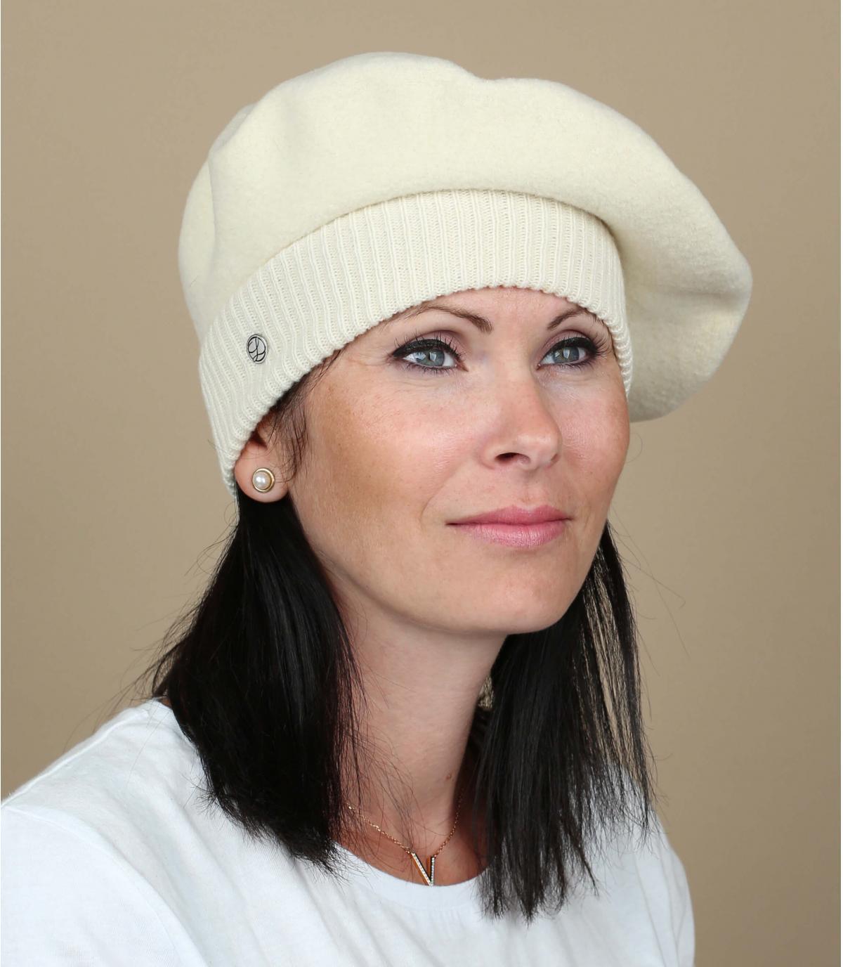 Beige elastic beret