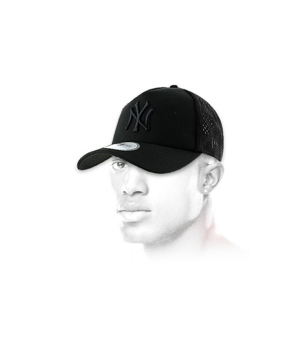 New era black mesh cap. Détails Mono perf NY black black - image 5  Détails  Mono perf NY black black - image ... 879c820accf