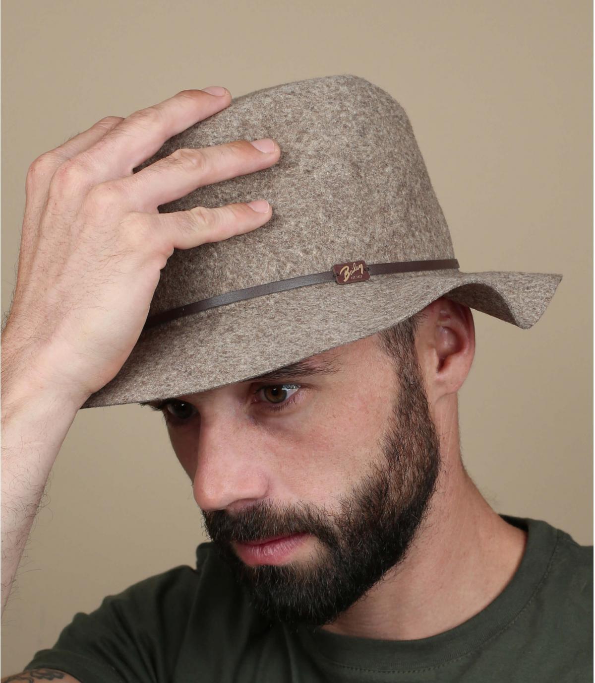 Flexible brim hat men