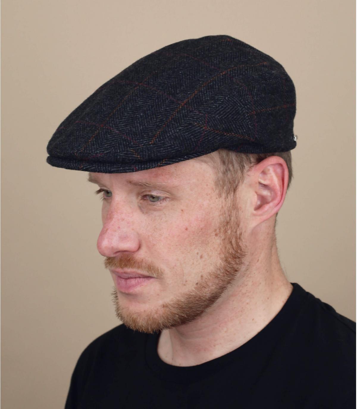 Flat cap earflap