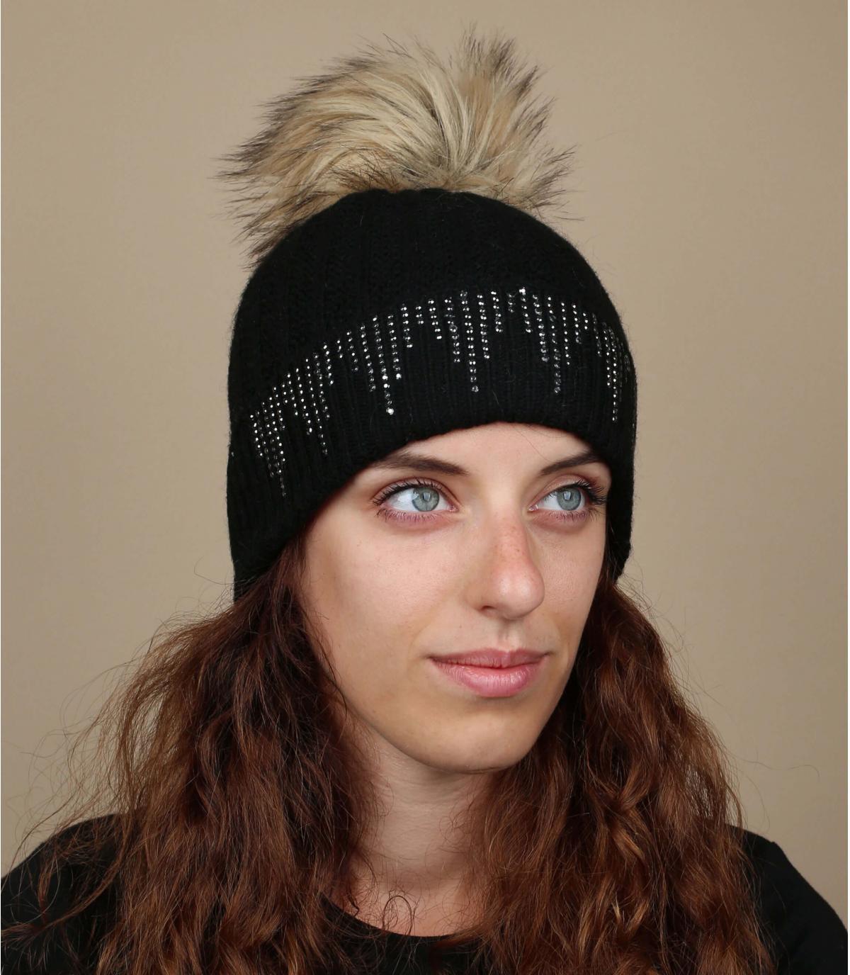 Black faux fur pom beanie