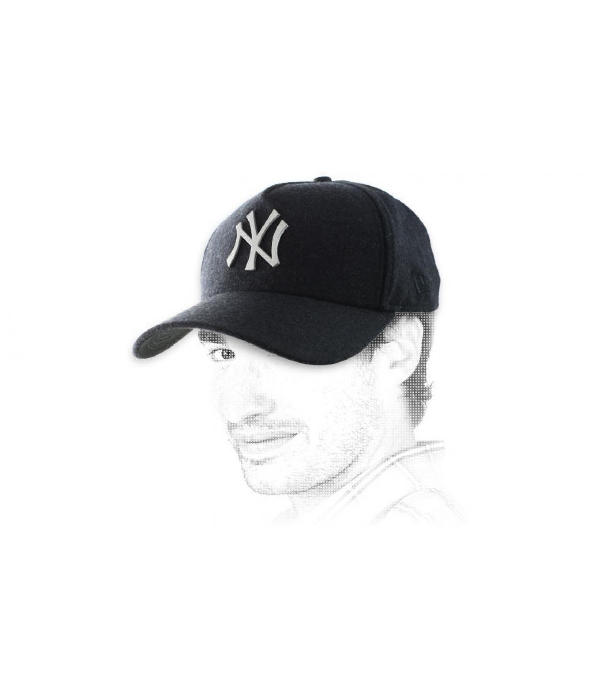 metal logo black NY cap