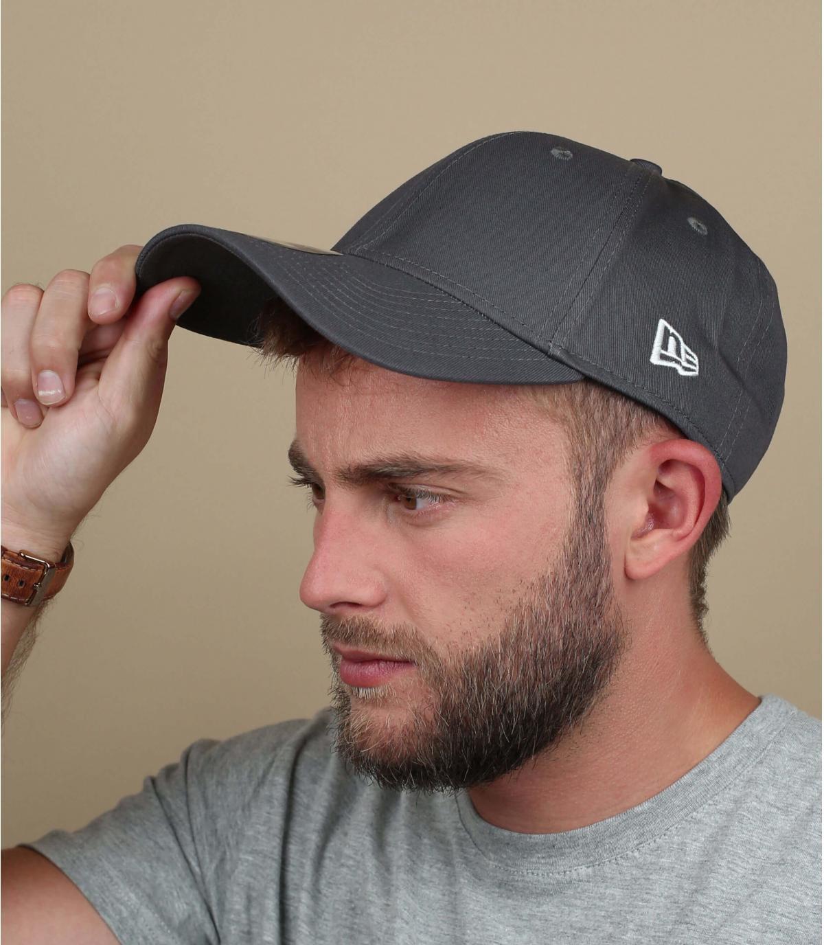 Grey New Era9Forty cap