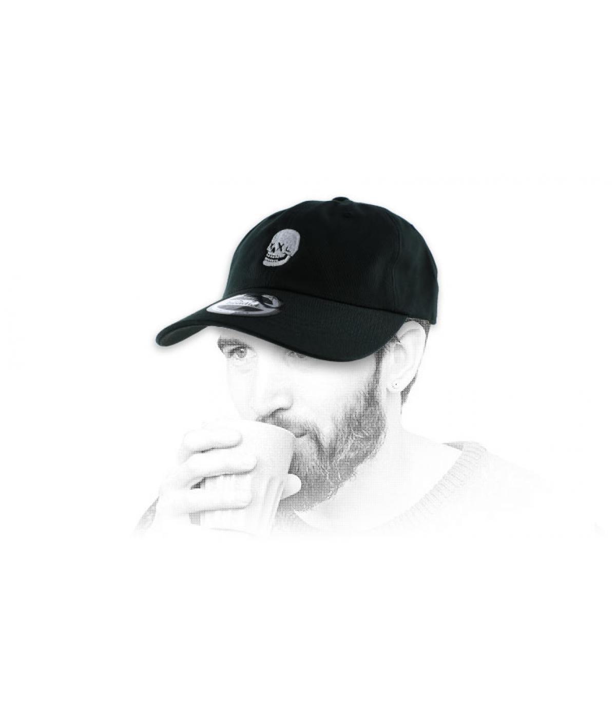 black skull curve cap