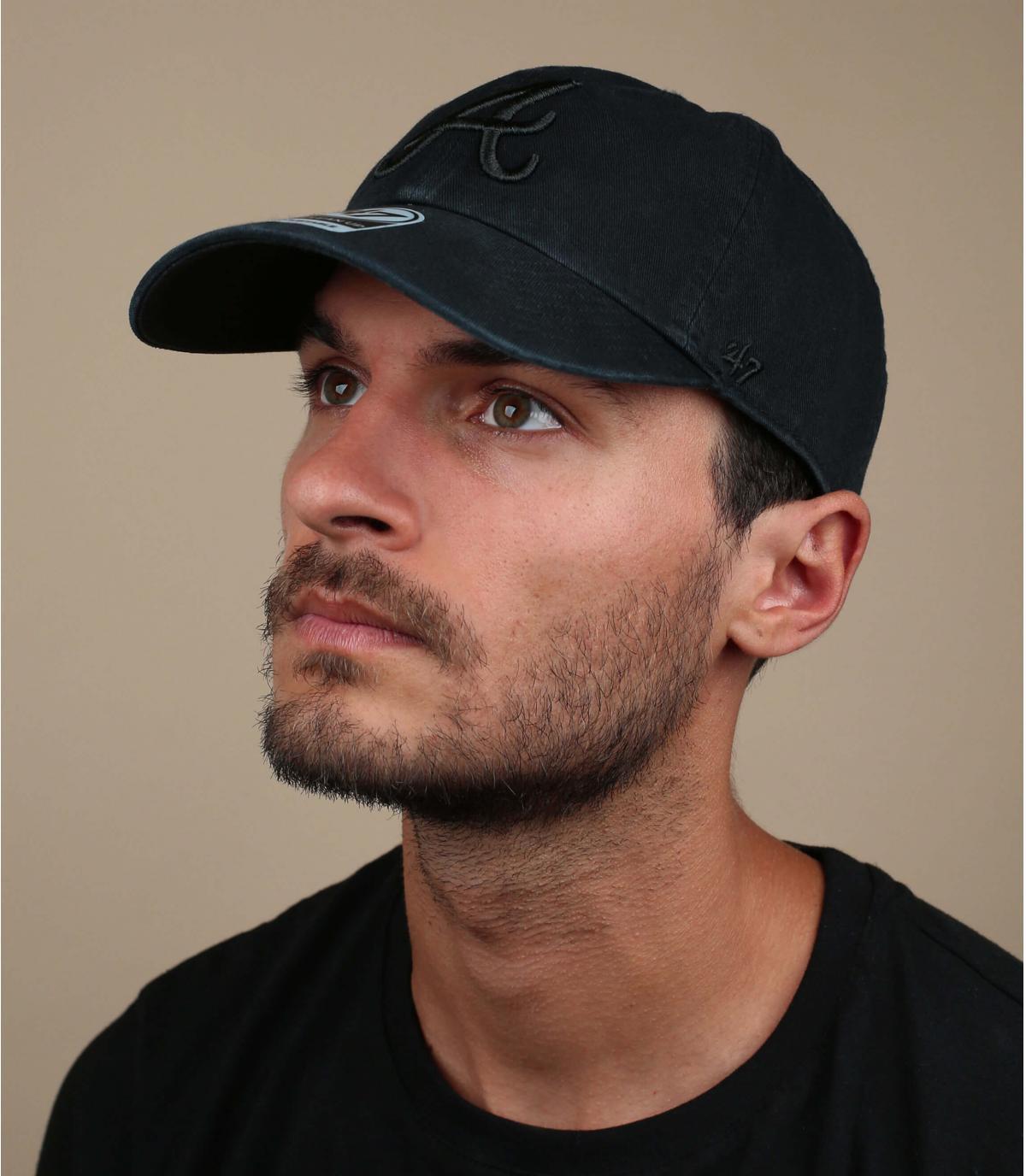 black A curve cap