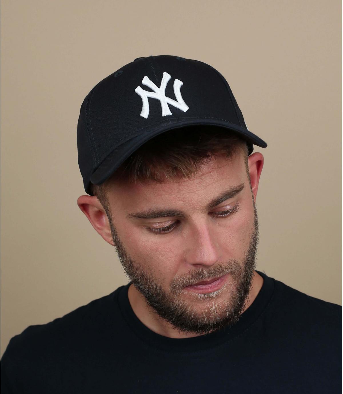 Adjustable black cap