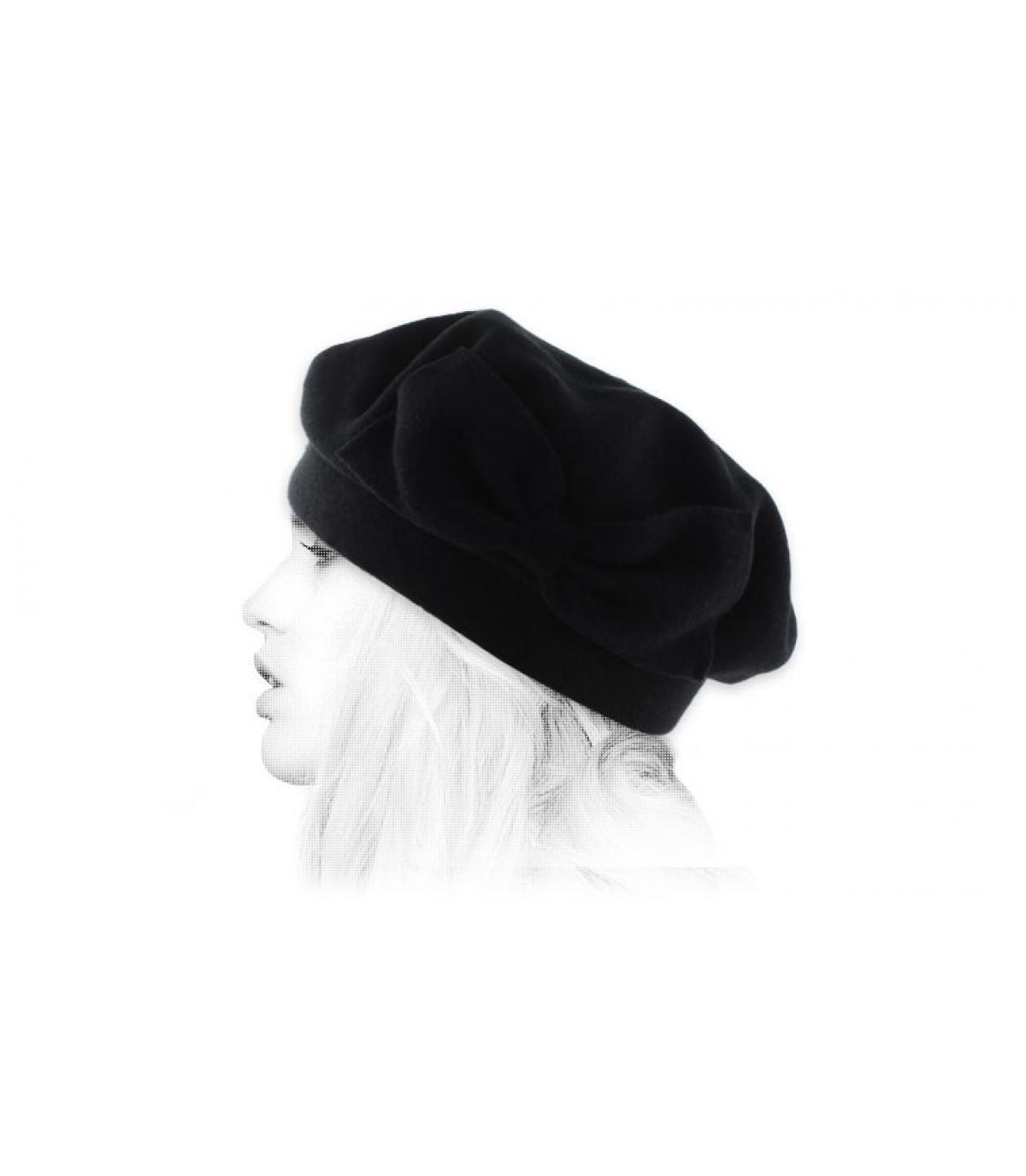 black beret bow Laulhère