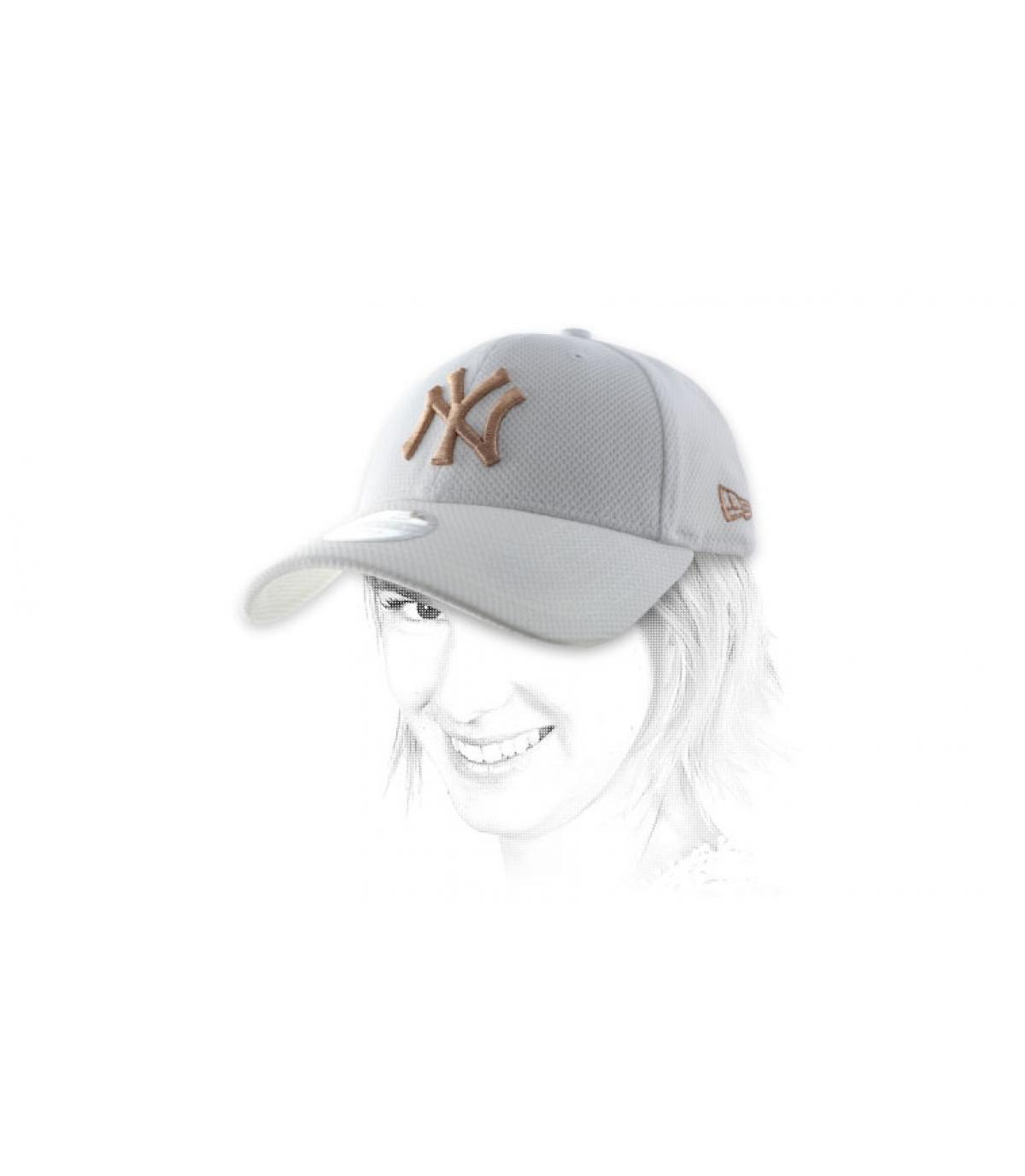 white women NY cap
