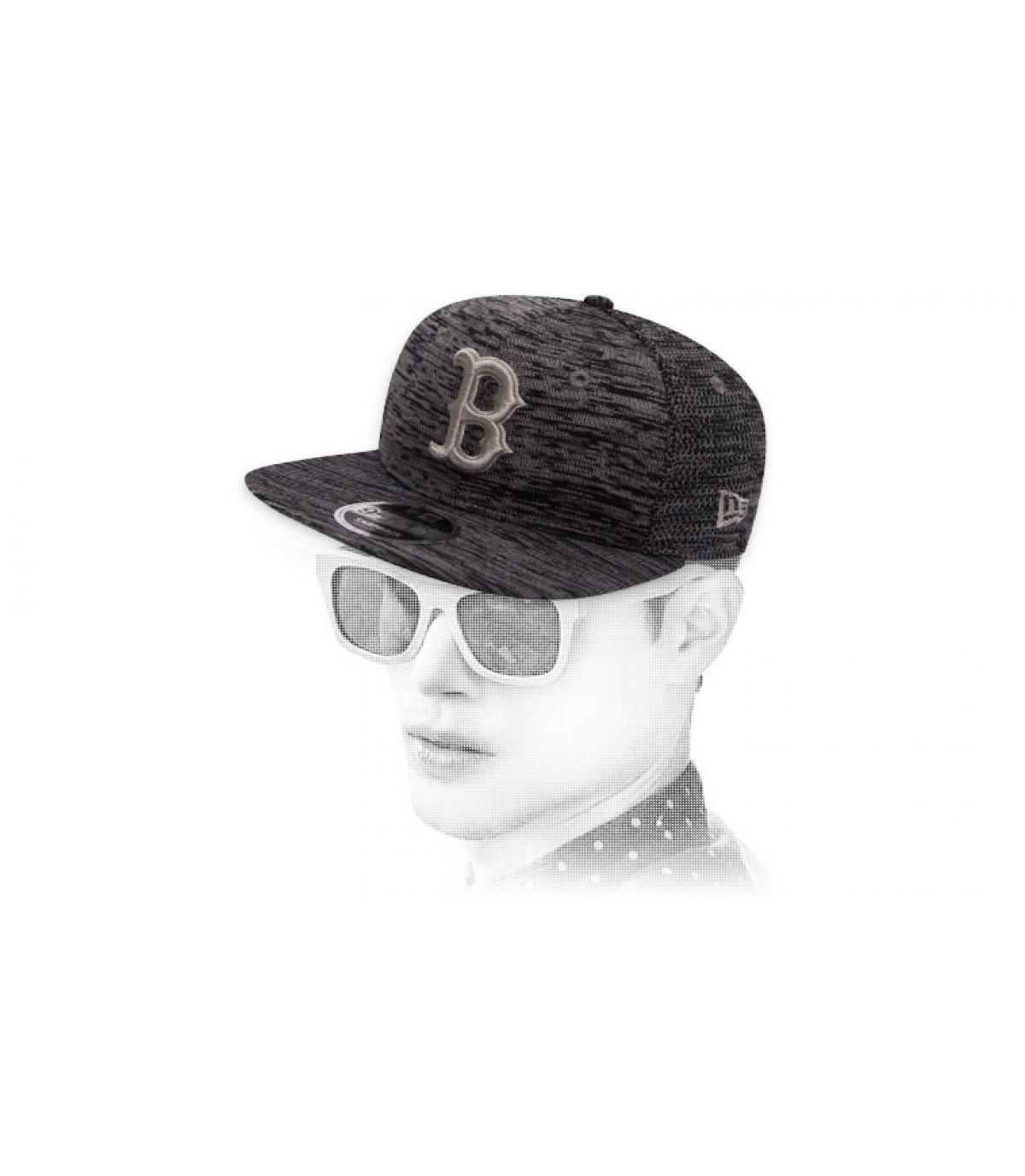 B snapback heather grey