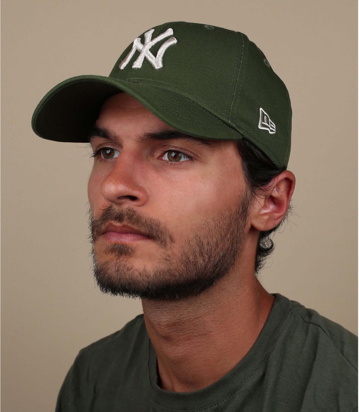 NY cap green grey